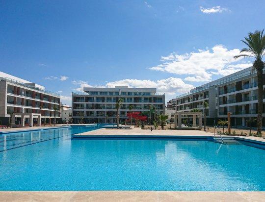 courtyard hotel & residences